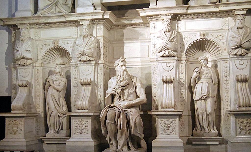 Détail du tombeau de Jules II - Michael Ange et ses élèves - destiné à la basilique St-Pierre de Rome - inachevée - de 1505 à 1532 environ.
