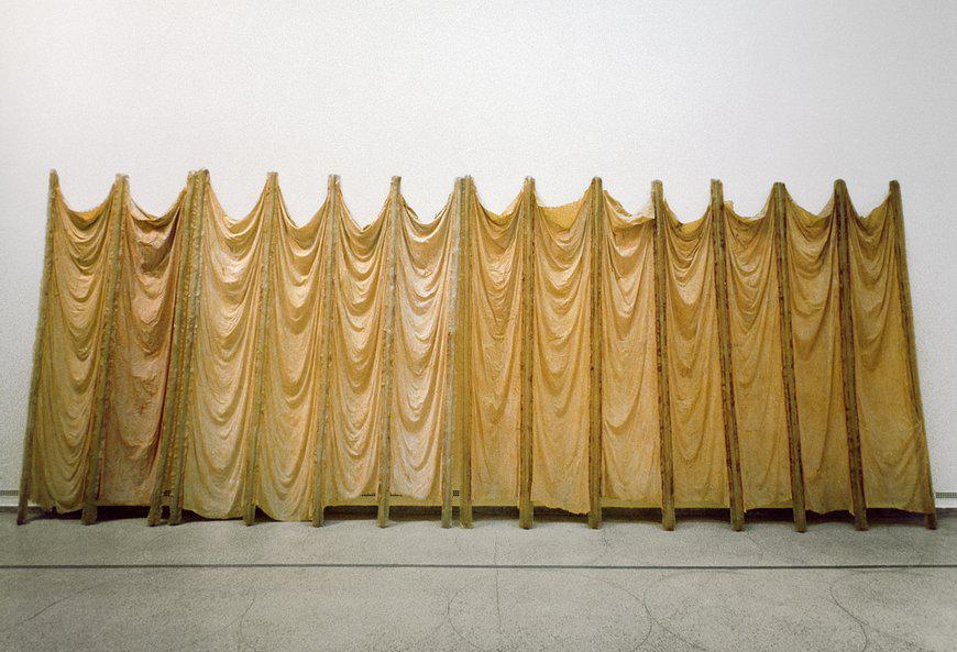 Expanded Expansion, Eva Hesse, 1969, Fibre de verre, résine de polyester, latex et étamine, Solomon R. Guggenheim Museum, New York