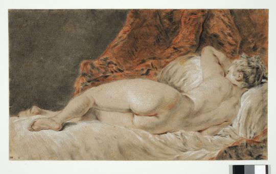 François Boucher (1703-1770), Femme allongée vue de dos dit Le Sommeil, vers 1740, pierre noire, sanguine et craie sur papier brun, Paris, Beaux-Arts © Beaux-arts de Paris